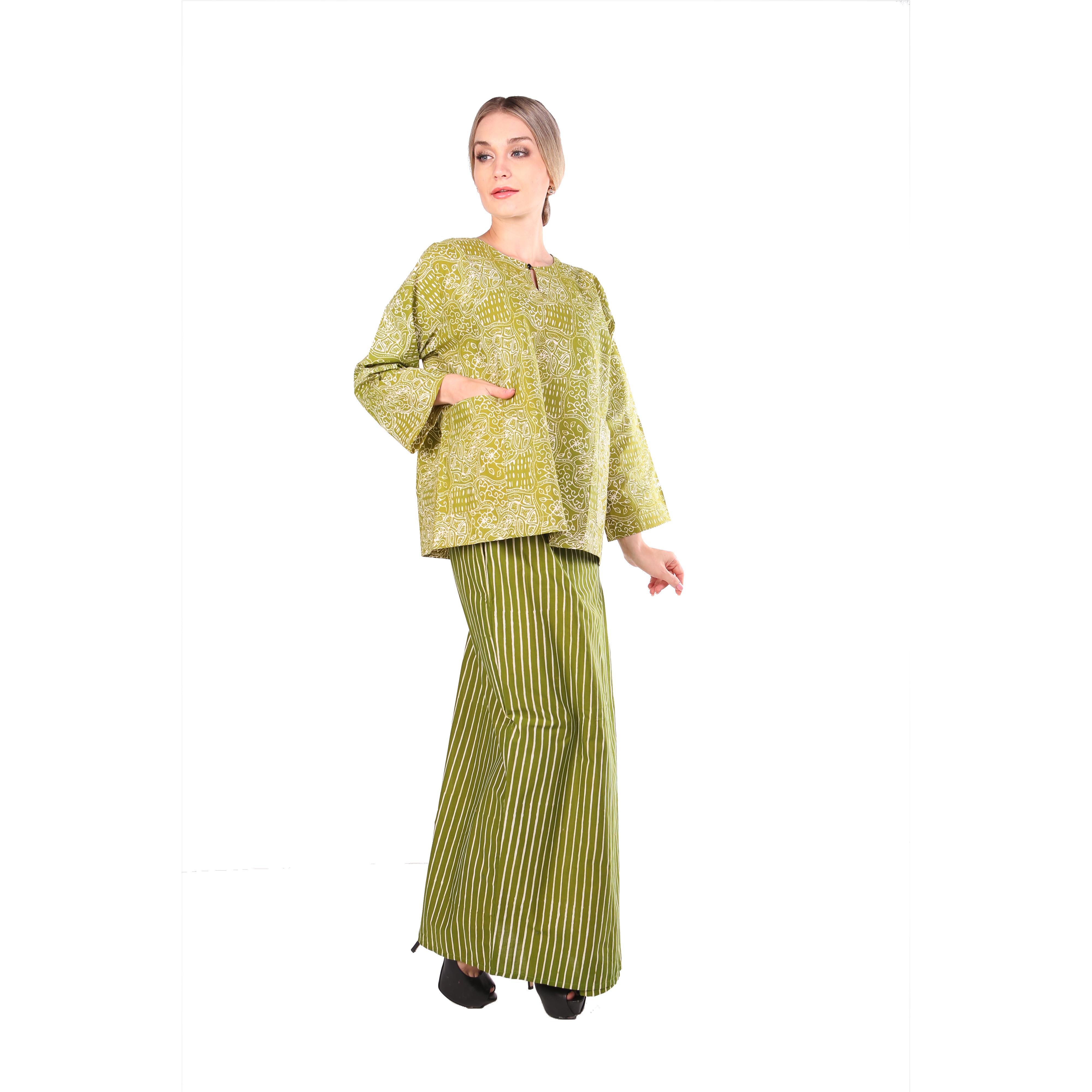 Kurung kedah Full Batik Mak Cun (Jalur Apple Green)
