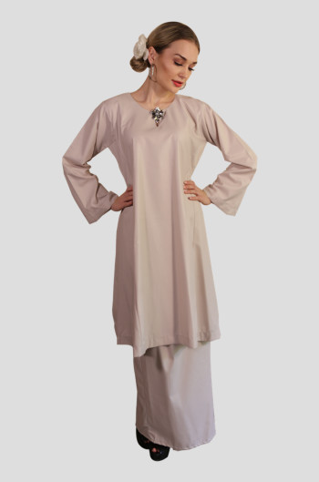 Kurung Tanjung Mak Cun (Light Brown)