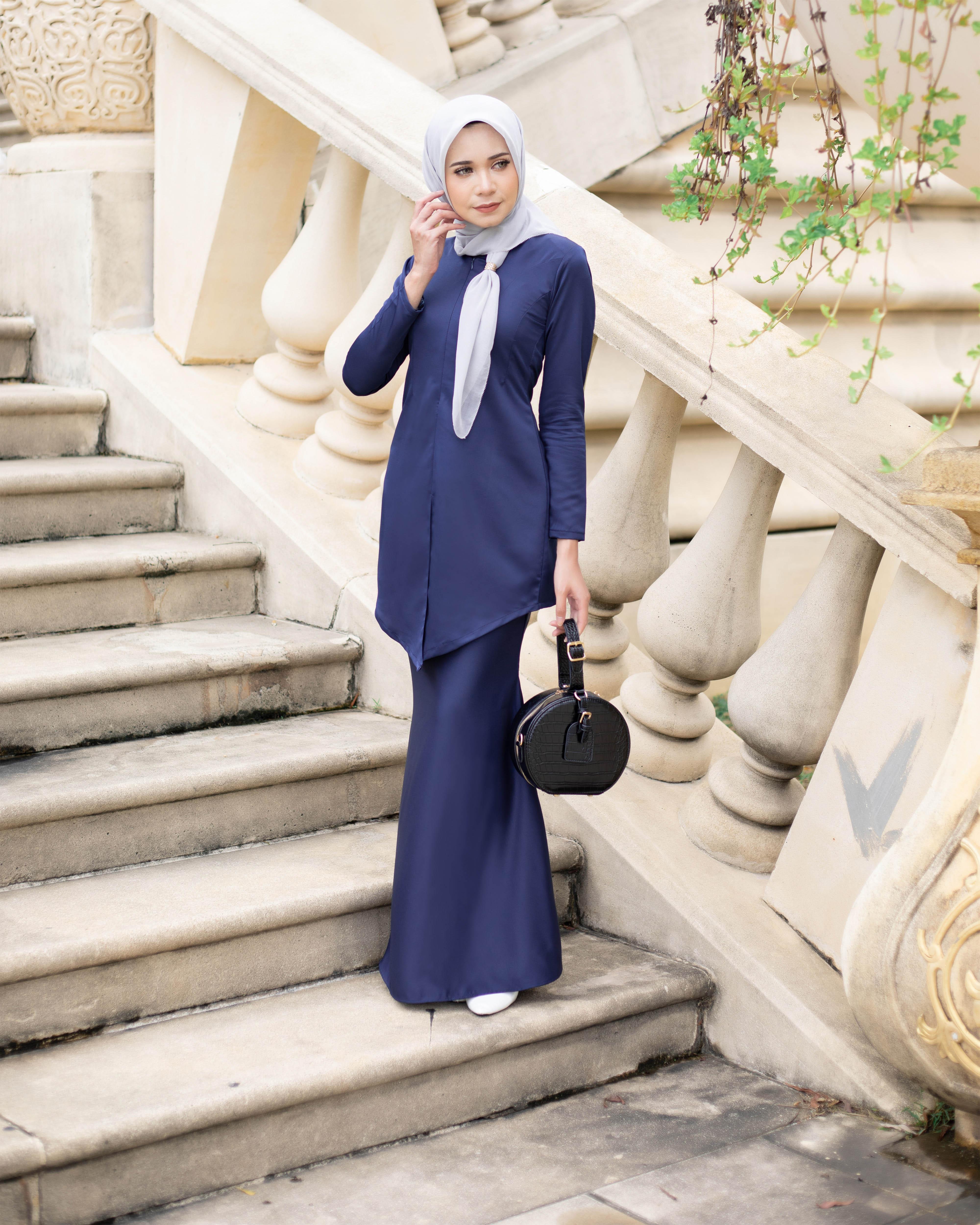 Fateema Kebaya - Navy Blue