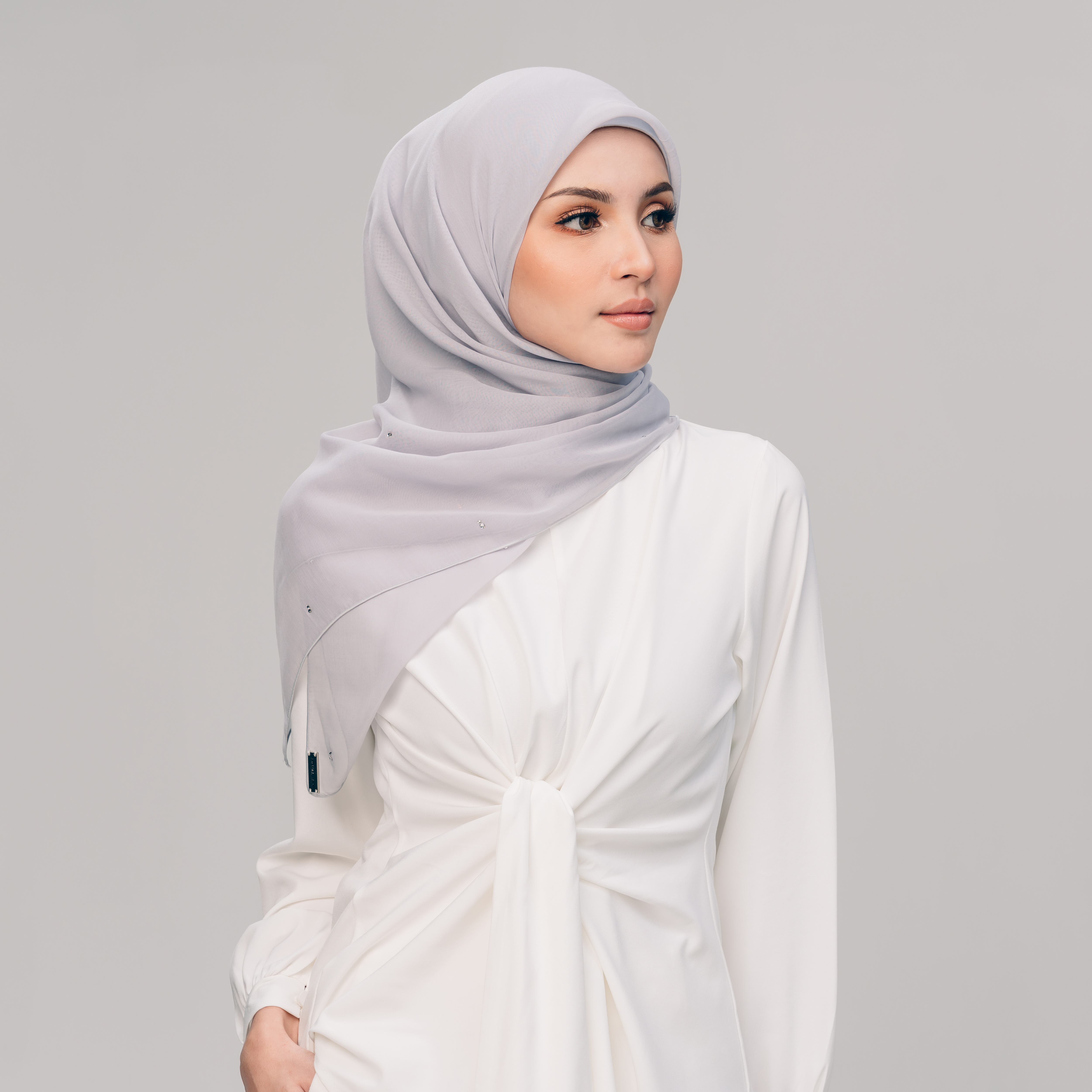AZ Tiara Light Grey
