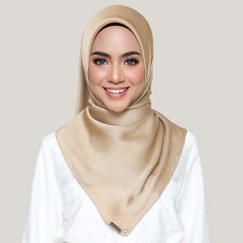 AZ Kayla Tan