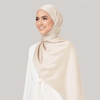 AZ Leia Shawl Creamy White
