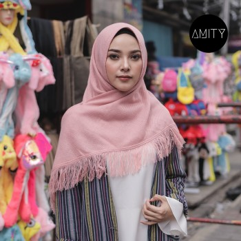 AMITY SHAWL DUSTY PINK
