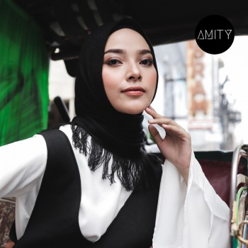 AMITY SHAWL BLACK