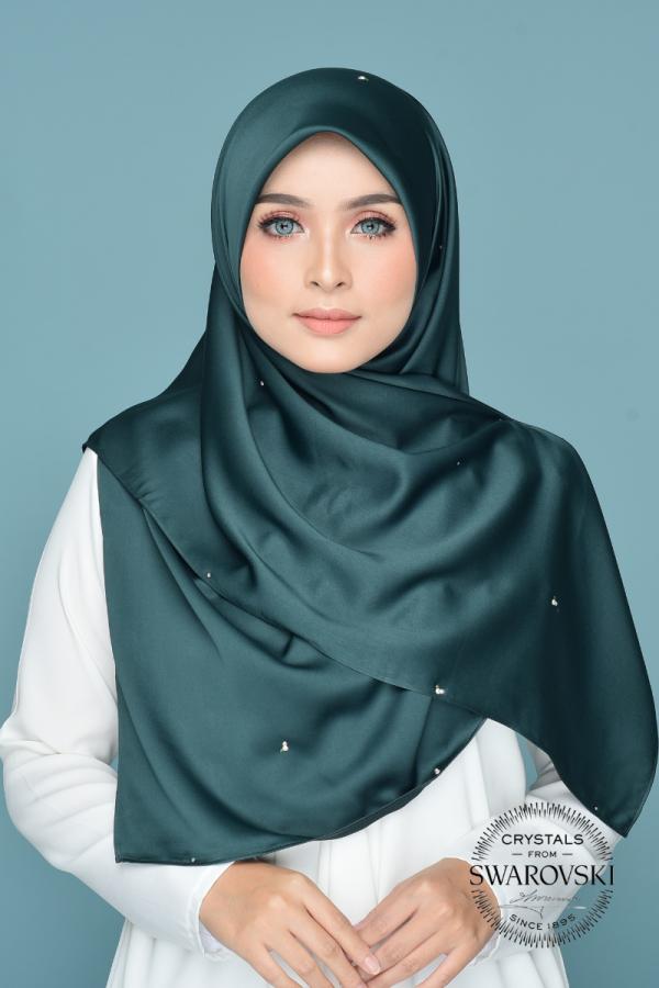 Nissa in Emerald  - MatBunga Exclusive