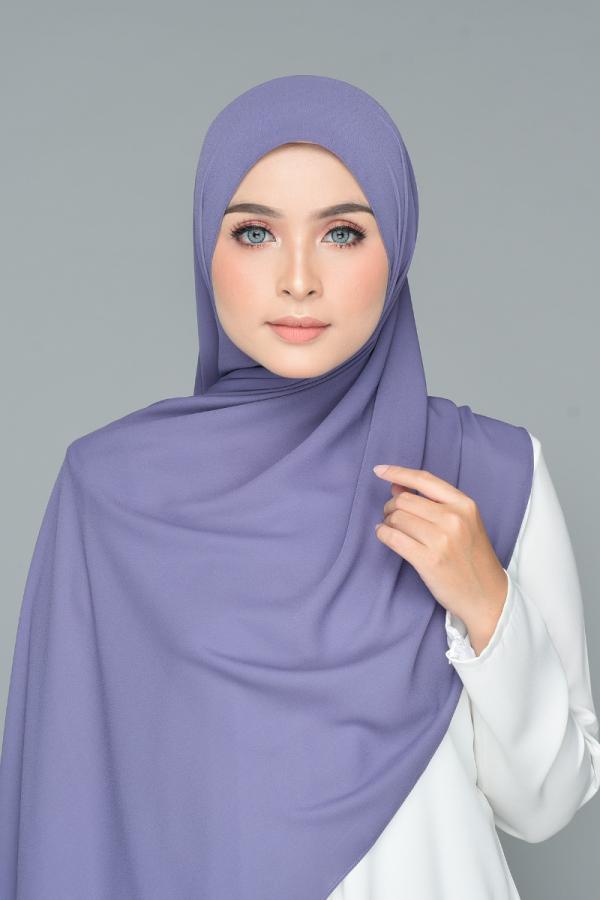 Zaraa in Iris  - MatBunga Exclusive