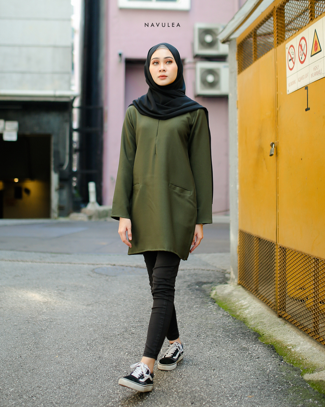 DAHLEA BLOUSE (OLIVE GREEN)