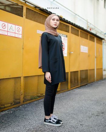 DAHLEA BLOUSE (BLACK)