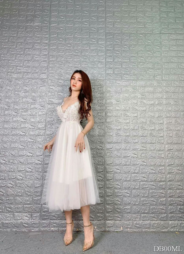 [PRE-ORDER] Sasa 3D Dress in White - HerSpace Closet