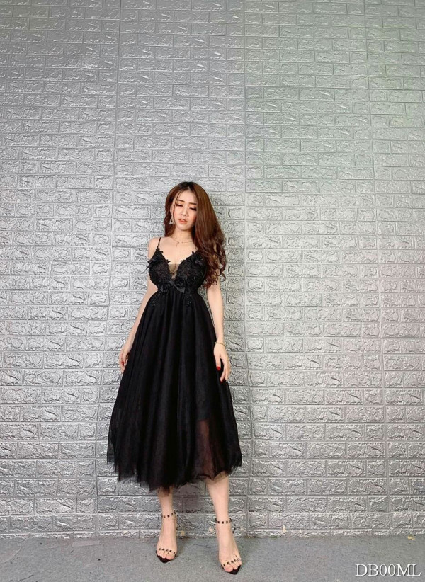 [PRE-ORDER] Sasa 3D Dress in Black - HerSpace Closet
