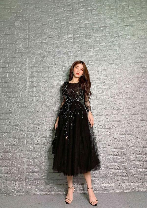 [PRE-ORDER] Felicia 3D Midi Dress in Black - HerSpace Closet