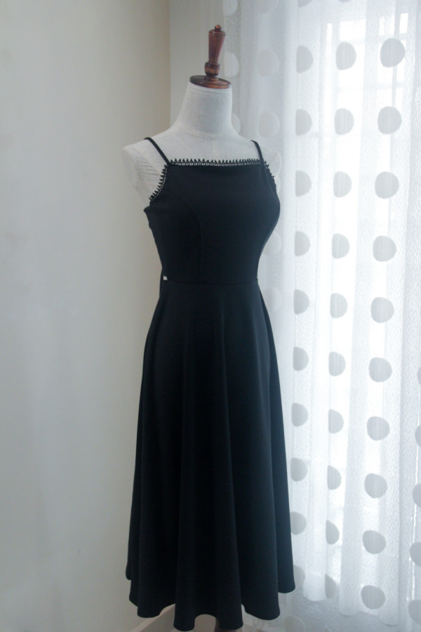 Dolly Midi Dress in Black - HerSpace Closet
