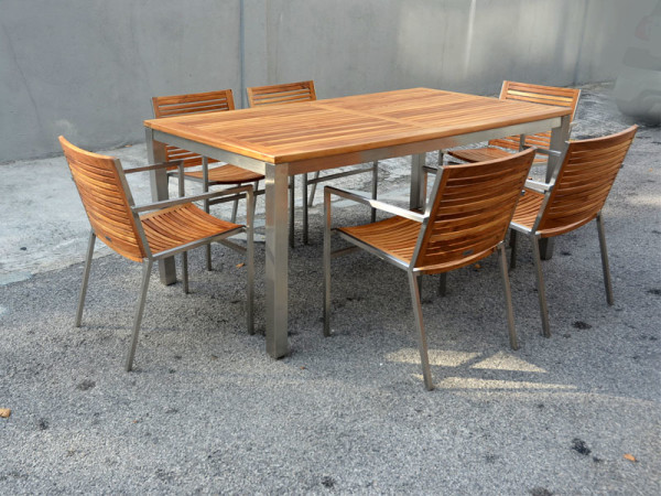 ACCURA TABLE L240 - HORESTCO