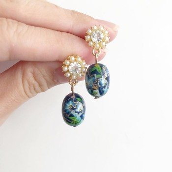 Blue Lillies Bracelet - Diary of a Miniature Enthusiast