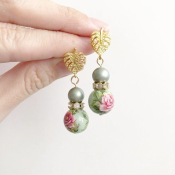 Nyonya Splendour Ring of Pearls Earrings - Diary of a Miniature Enthusiast