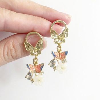 Garden Butterfly Opaline Blooms Pearl Links Set - Diary of a Miniature Enthusiast
