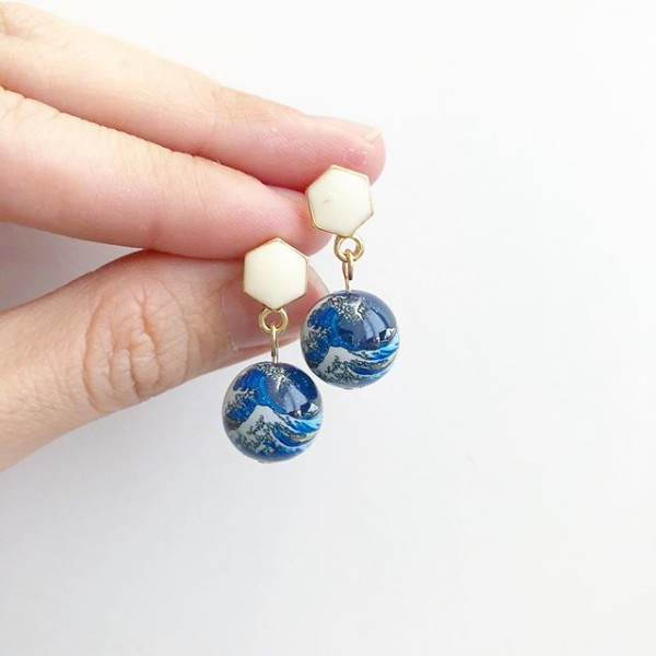 The Great Wave Earrings - Diary of a Miniature Enthusiast