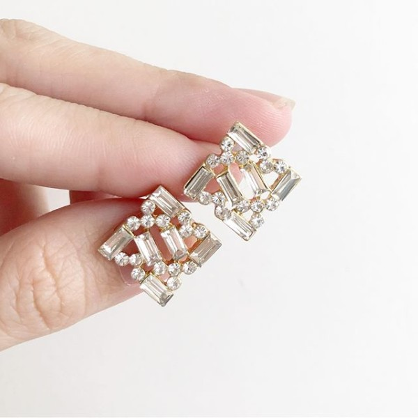 White Stones Earrings - Diary of a Miniature Enthusiast