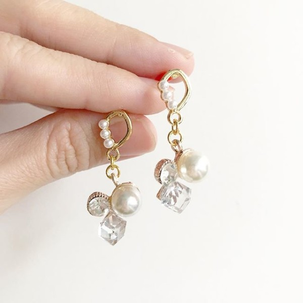 Diamond and Pearl Earrings - Diary of a Miniature Enthusiast