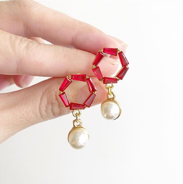 Red Stones with Pearls Earrings - Diary of a Miniature Enthusiast