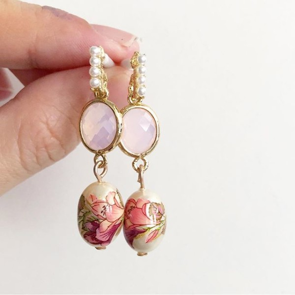 Pink Lillies Earrings - Diary of a Miniature Enthusiast