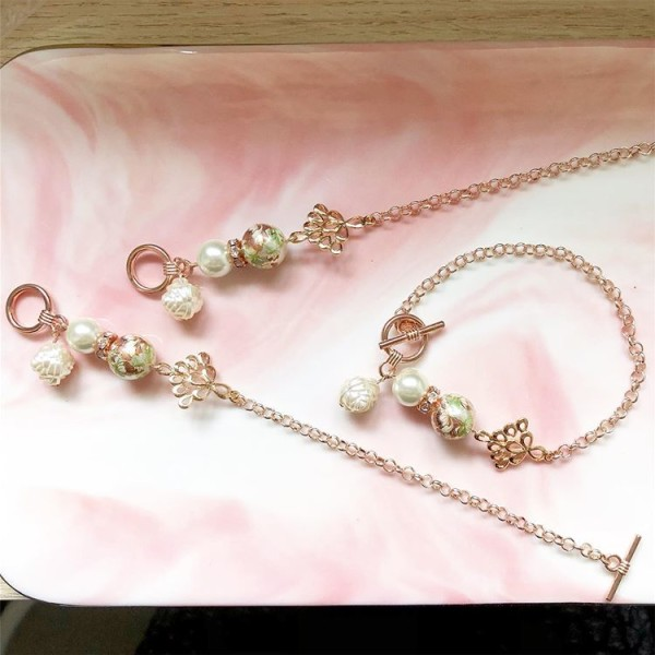 Pearl and Floral Bracelet - Diary of a Miniature Enthusiast