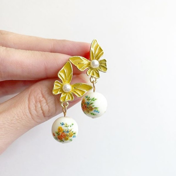 White Bouquet Butterfly Earrings - Diary of a Miniature Enthusiast