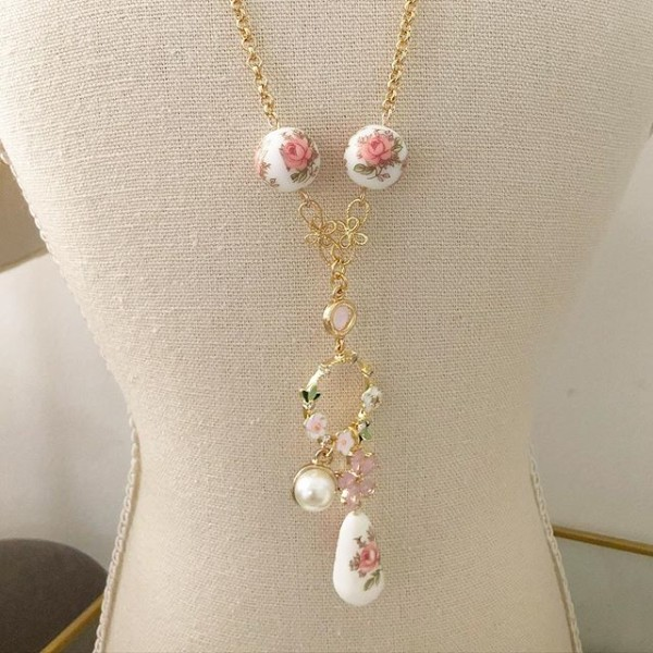 Pastel Pink Rose Short Necklace (45cm) - Diary of a Miniature Enthusiast