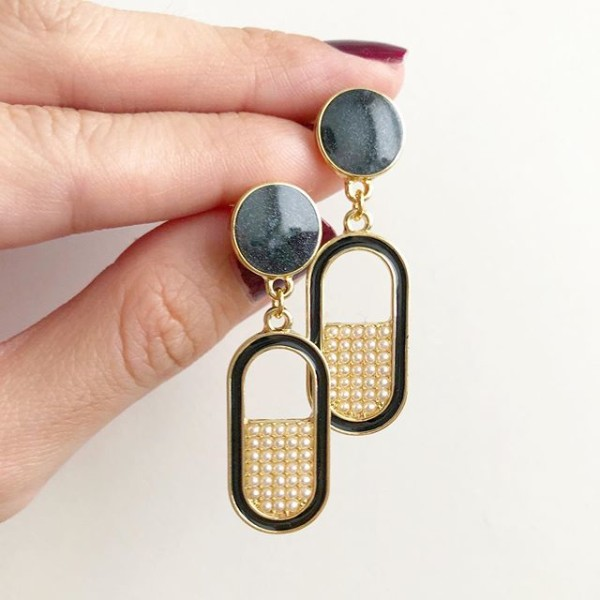 Oval Vintage Pearls Earrings - Diary of a Miniature Enthusiast