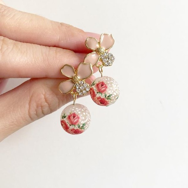 Pink and Red Earrings - Diary of a Miniature Enthusiast