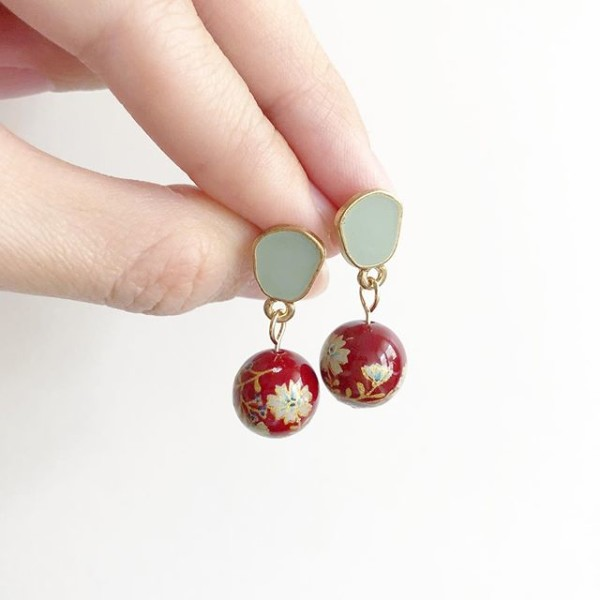 Green and Red Floral Earrings - Diary of a Miniature Enthusiast
