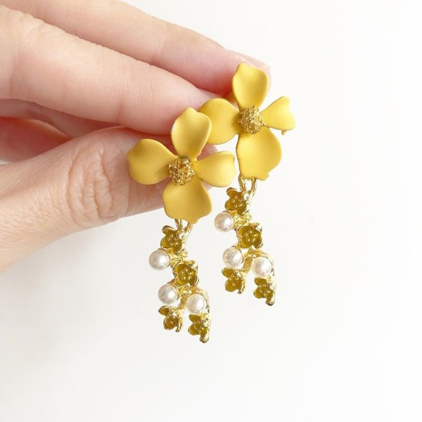 Gold and Floral Earrings   - Diary of a Miniature Enthusiast