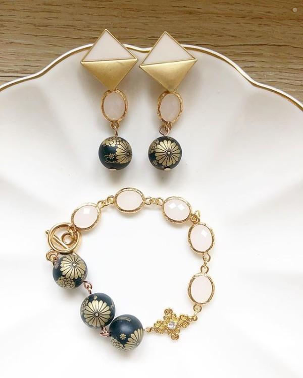 Matte Black and Gold Earrings and Bracelet - Diary of a Miniature Enthusiast