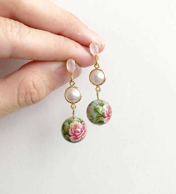 Nyonya Splendour Exquisite Earrings - Diary of a Miniature Enthusiast