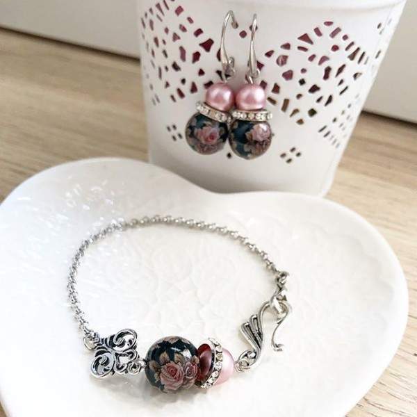 Pink and Black Bracelet only - Diary of a Miniature Enthusiast