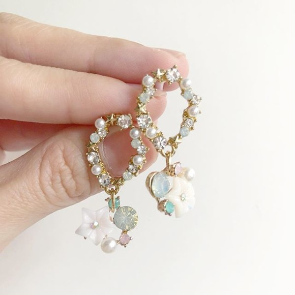 White Floral Earrings - Diary of a Miniature Enthusiast