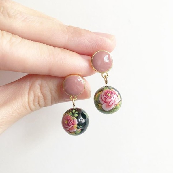 Black Classic Pink Rose Earrings - Diary of a Miniature Enthusiast