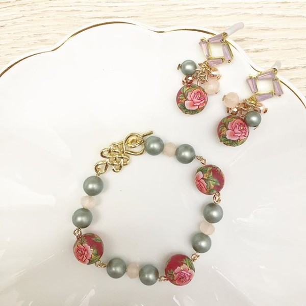 Green and Gold Floral Earrings and Bracelet - Diary of a Miniature Enthusiast