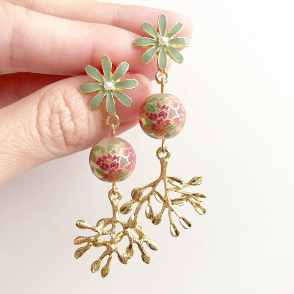 Frosted Sakura and Sage Spring Earrings - Diary of a Miniature Enthusiast