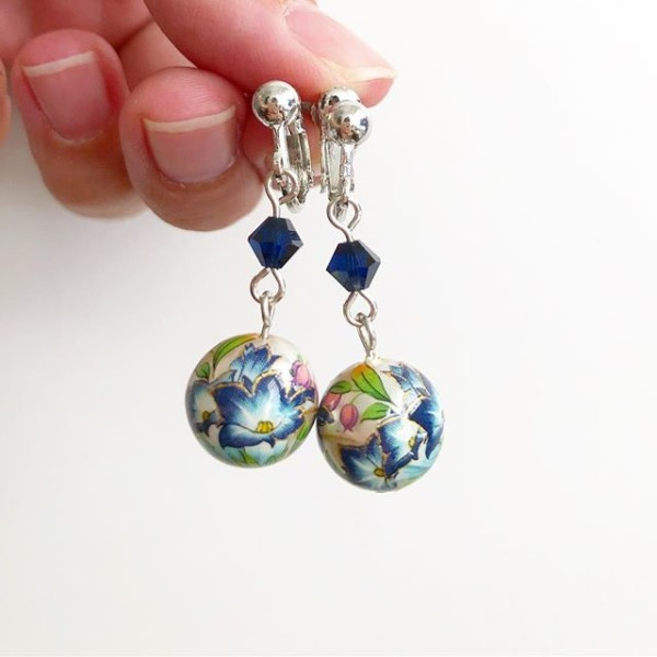 Blue Lillies Earrings - Diary of a Miniature Enthusiast