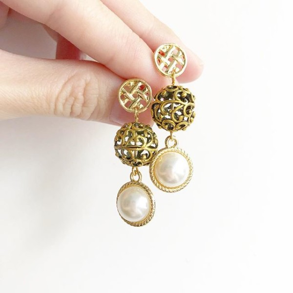 Pearl Earrings - Diary of a Miniature Enthusiast