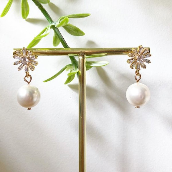 Pearl with White Stones Earrings - Diary of a Miniature Enthusiast