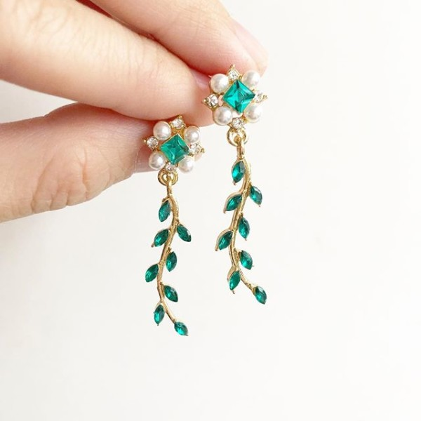 Teal Leaf and Pearl Earrings - Diary of a Miniature Enthusiast