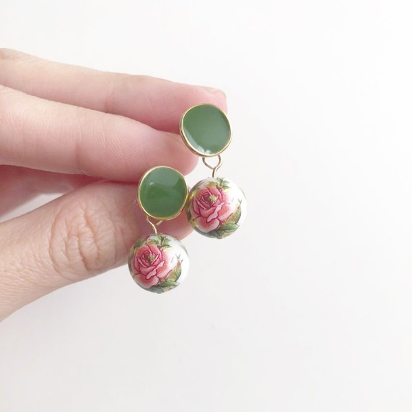 White Classic Rose Earrings - Diary of a Miniature Enthusiast