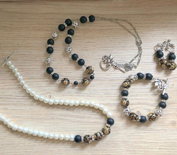 Pearl and Black Earrings, Bracelet and Necklaces - Diary of a Miniature Enthusiast