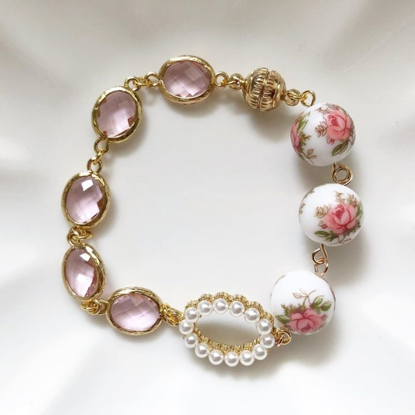Pastel Pink Rose Faceted Links Bracelet - Diary of a Miniature Enthusiast