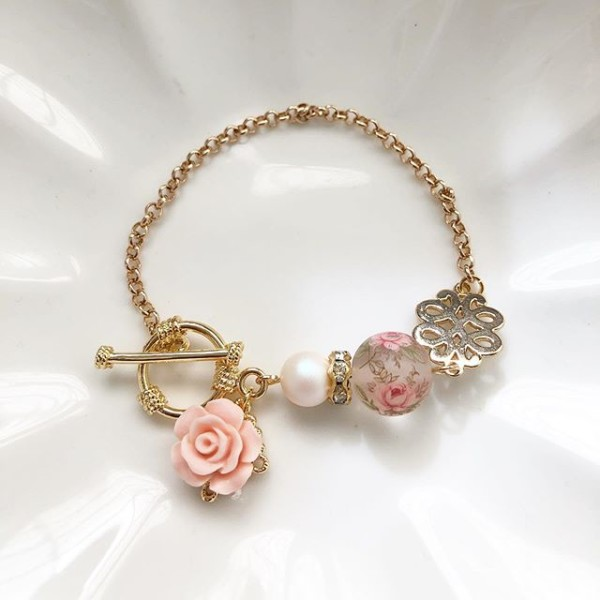 Pastel Frosted Pink Rose Bracelet - Diary of a Miniature Enthusiast
