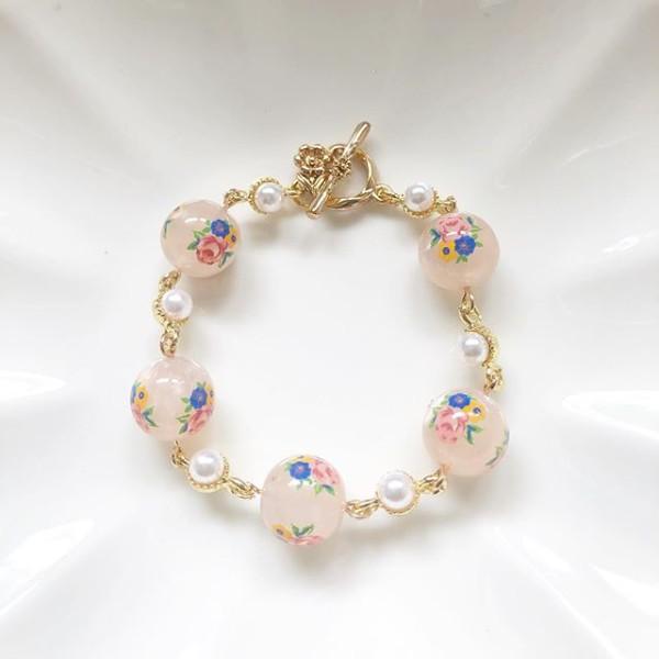 Garden Butterfly Opaline Blooms Pearl Link Bracelet - Diary of a Miniature Enthusiast