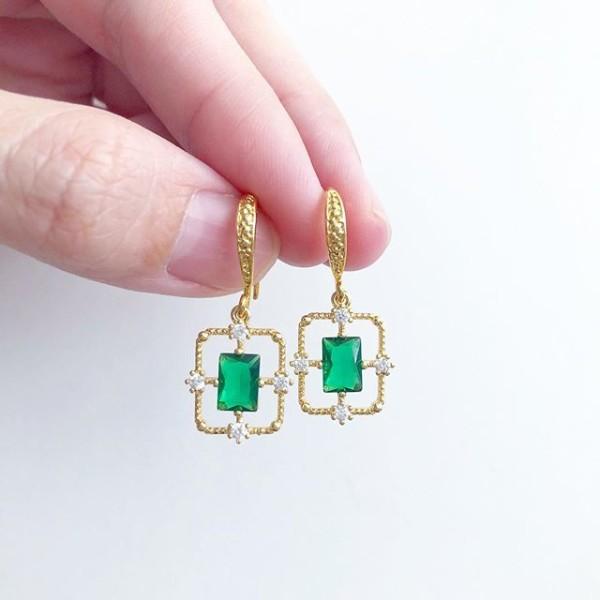 Emerald Lane Dainty Hooks - Diary of a Miniature Enthusiast