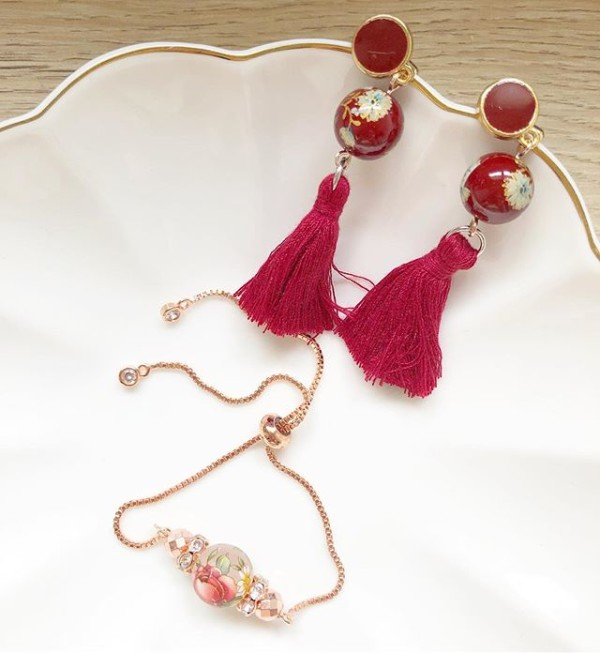 Red Floral Earrings and Adjustable Bracelet - Diary of a Miniature Enthusiast